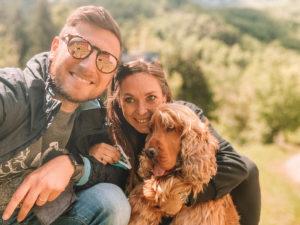 in camper con il cane